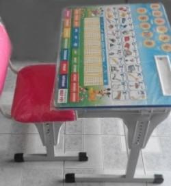 Bàn ghế học sinh thông minh giúp ngừa ngực lép,vẹo cột sống, gù lưng, cận